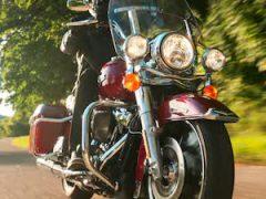 2021-road-king-motorcycle-g1