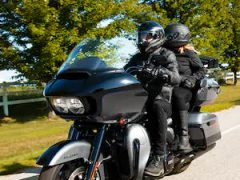 21-road-glide-limited-motorcycle-g1